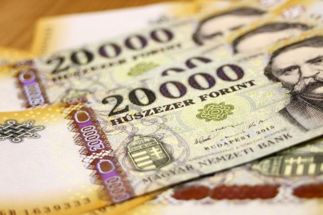 Közzétették mennyi lesz a minimálbér 2018 január 1-től!