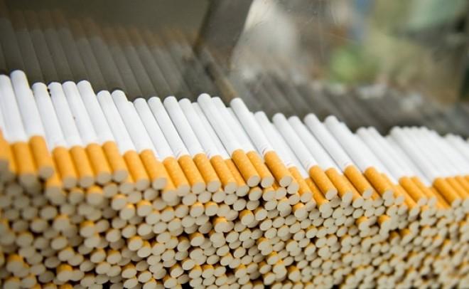 Leleplező videó a cigaretta valódi összetételéről. Egy volt dohánygyári dolgozó elmondja, mit szívsz valójában.