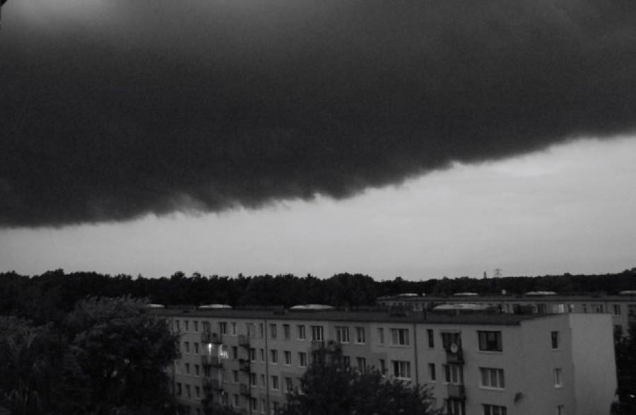 Brutális vihar fog lecsapni hazánkra, jobb ha mindenki biztonságos helyre húzódik!