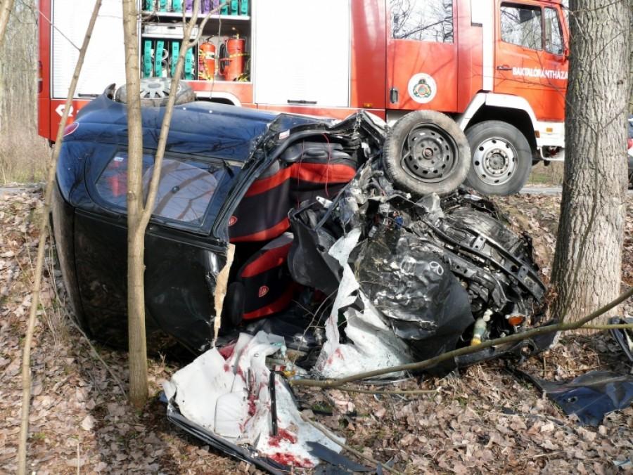 Egy balesetben apa és fia meghaltak... de a fiút visszahozták!