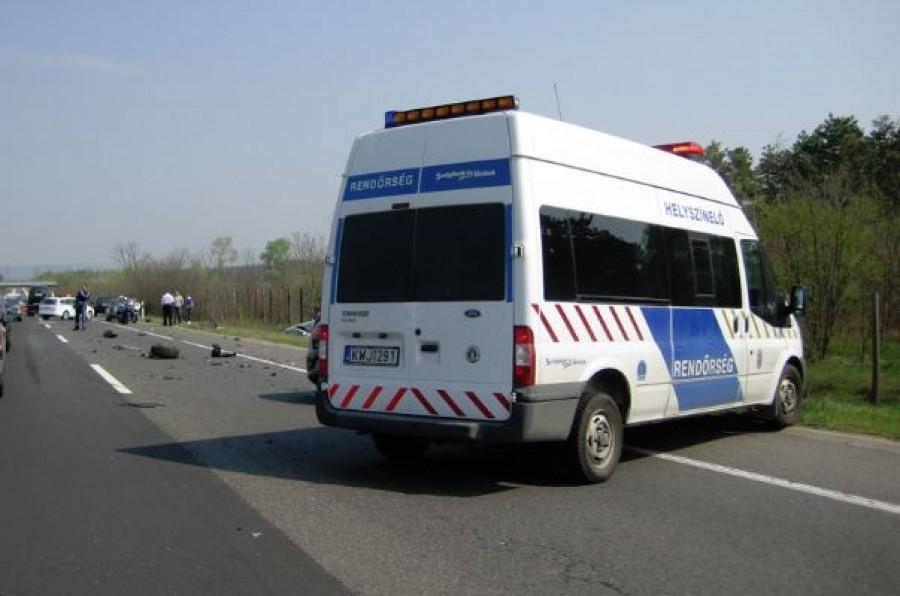 Négy halálos áldozata van a Bács-Kiskun megyei autóbalesetnek