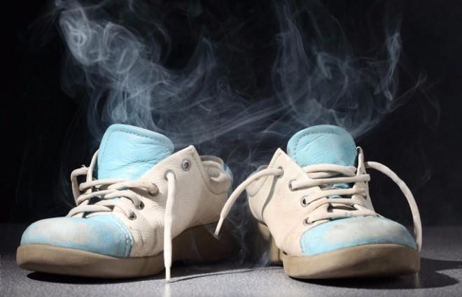 Megszűnik a lábszag, és illatos lesz a cipőd!