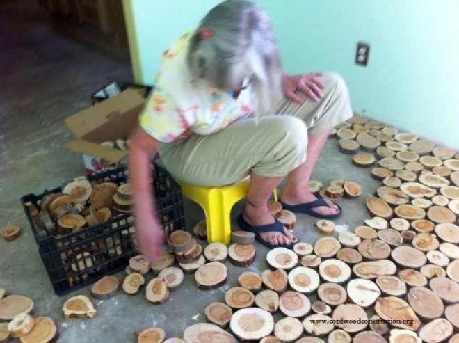 A nyugdíjas házaspár fel akarta újítani a padlót. Remek ötletük támad!