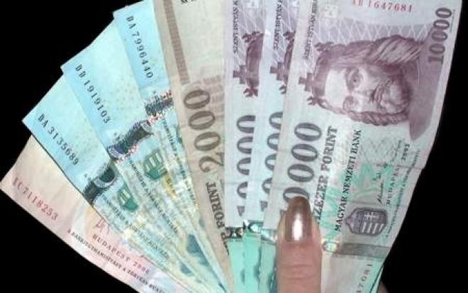 FIGYELEM: havi 5000 forintot kaphat visszamenőleg!