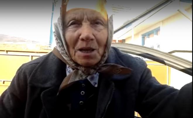 Hallgasd végig az idős székely asszony újévi köszöntőjét!