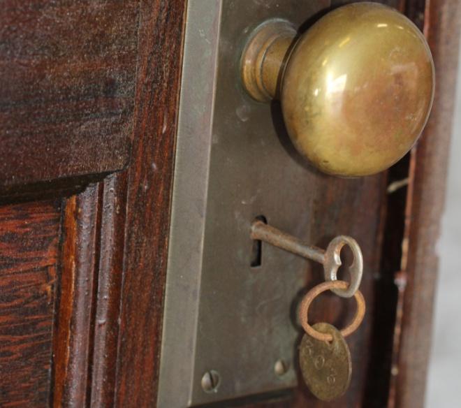 Több mint 70 év után nyitották ki ennek a párizsi lakásnak az ajtaját. Elállt a lélegzetük!