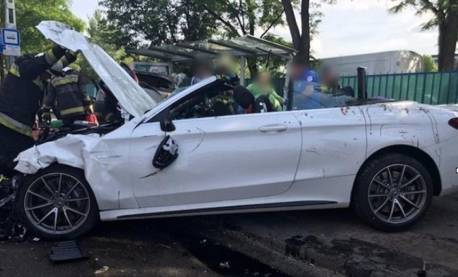 Halálos áldozattal járó súlyos baleset történt - SZÖRNYŰ KÉPEK!