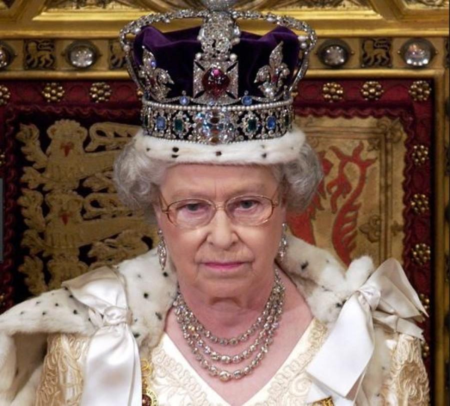 Szomorú hírt jelentett be II. Erzsébet a várva várt családi esemény kapcsán