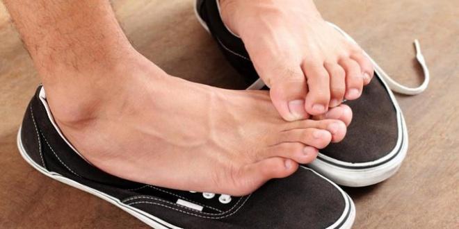 Megszűnik a lábizzadás, és a kellemetlen lábszag! A megoldás ott van minden konyhában!