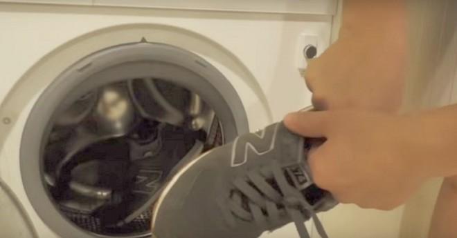 Nyugodtan kimoshatod a cipőt a mosógépben, ha betartod ezeket a szabályokat