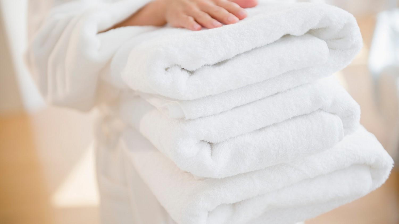 Egy szállodai takarító elárulta, hogy kell helyesen kimosni a törölközőket