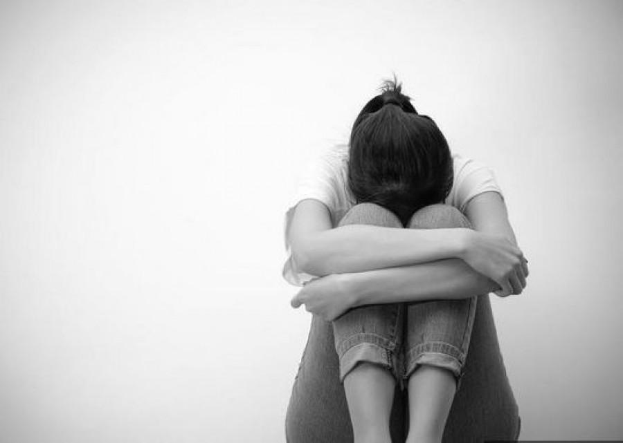 Szobát cserélt az anya a lányával, hogy bármikor megerőszakolhassa a lányt a pedofil apa