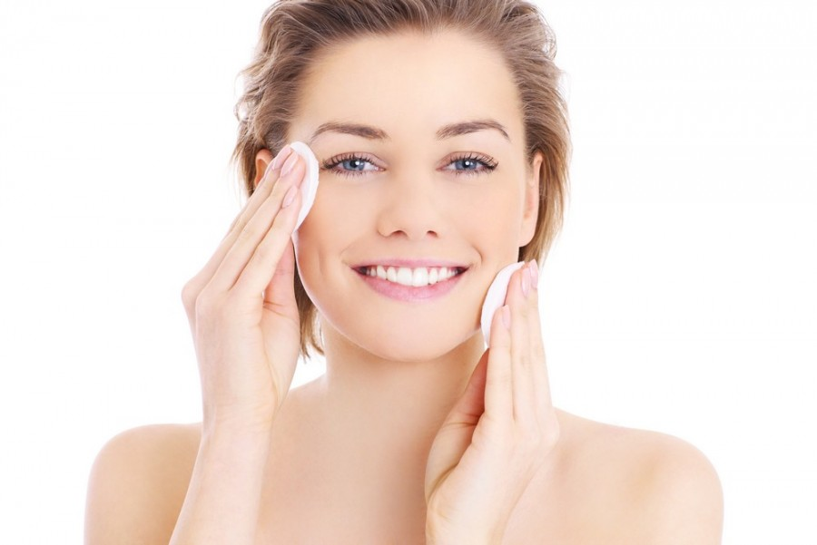 Plasztikai beavatkozás nélkül is lehet egészséges, fiatalabb a bőr